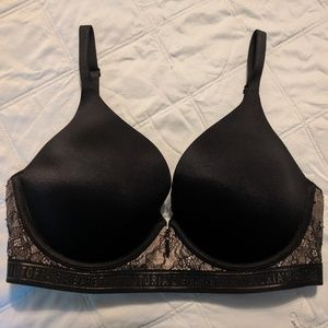Victoria's secret very sexy bra